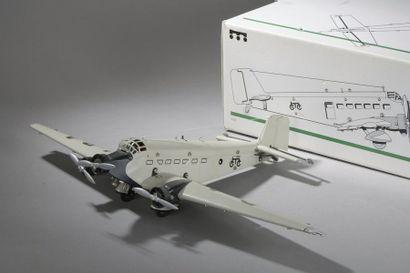 MARKLIN Avion 3 moteurs - Mécanique - n°1980...