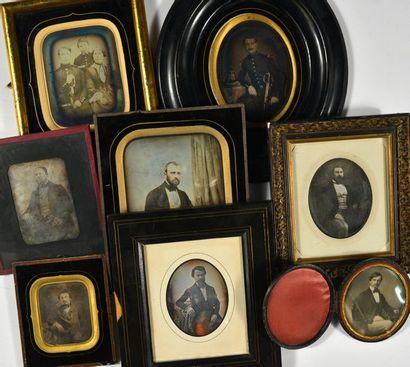 Victor Plumier et divers  Portraits d'hommes,...