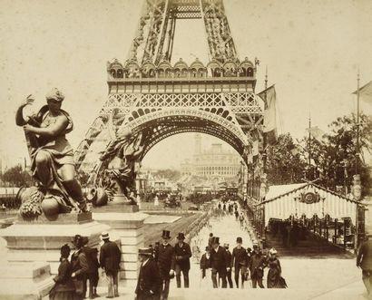 Paris  2 albums :  - Photographe non identifié...