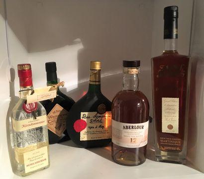 5 bouteilles de Spiritueux dont 1 70 cl de...