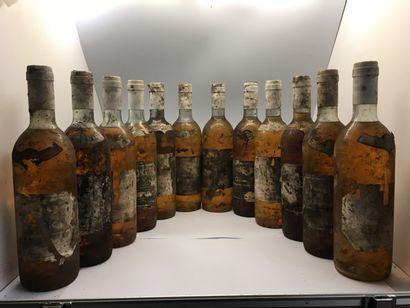 12 bottles of Château GRILLON Crème de Tête Barsac 1970, 2 very slightly low, 3...