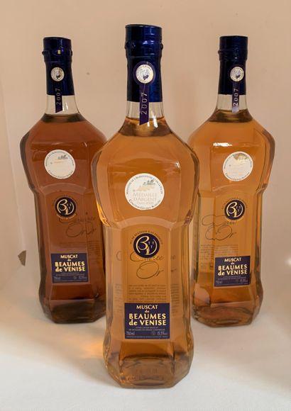 3 bouteilles de Muscat Beaume de Venise...