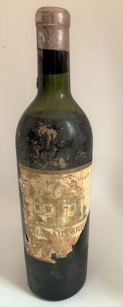 1 bouteille de Château HAUT-BRION 1947,...