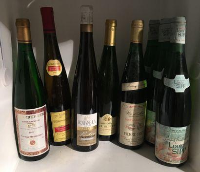 12 bouteilles dont 2 ALSACE GRAND CRU, 1...