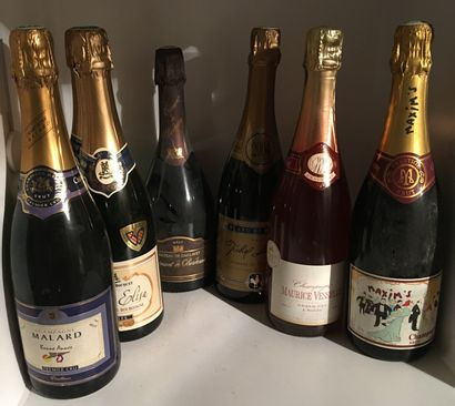 1 set of 7 bottles of various CHAMPAGNE, 1 half bottle of CHAMPAGNE, 4 bottles of...