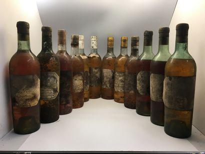 12 bouteilles de Château GRILLON Barsac dont 1 de 1945, 2 de 1942 (1 légèrement...