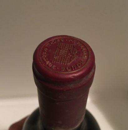 1 bouteille de Pavillon Rouge du Château MARGAUX Margaux 1989, légèrement bas, étiquette...