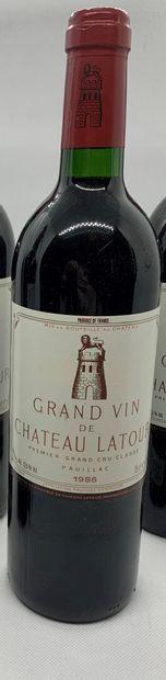 1 bottle of Château LATOUR Premier Grand Cru Classé Pauillac 1986, base neck