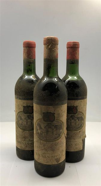 3 bouteilles de Rausan Segla 1961, une basse...