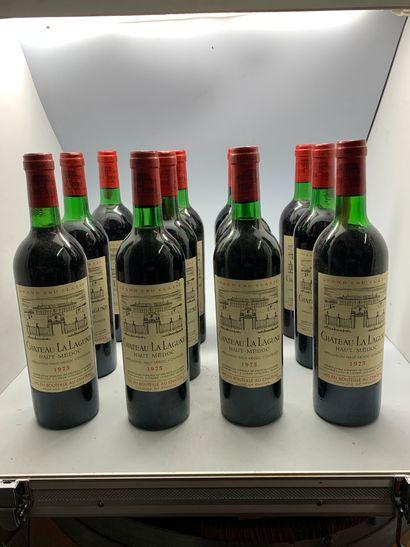 12 bouteilles de Château LA LAGUNE, Grand...