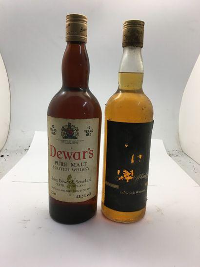 2 bouteilles de 1 de Whisky dont 1 DEWAR'S...