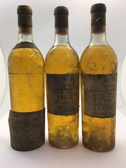 3 bouteilles de Château Laville Haut-Brion...