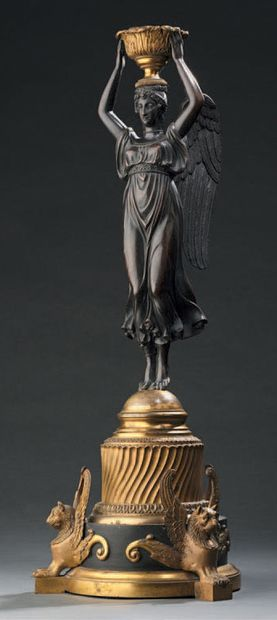 Victory figure in gilt bronze, resting on...