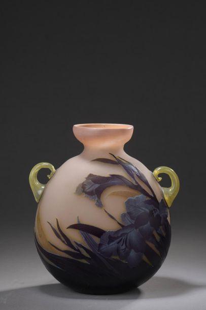 ÉTABLISSEMENTS GALLÉ Vase gourde méplate...