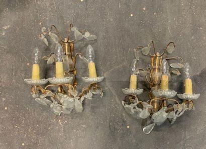 Paire d'appliques en bronze doré à trois...