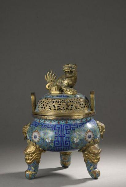 CHINE - XIXe siècle  Brûle-parfum tripode...