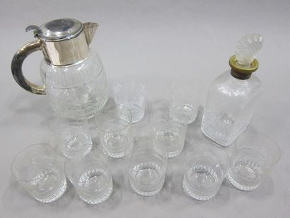 Service de onze verres à whisky en verre...
