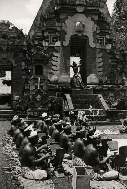 Henri Cartier-Bresson (1908-2004)  Bali,...