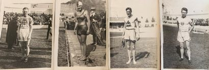 Agence des années 1910  10 photos de presse...