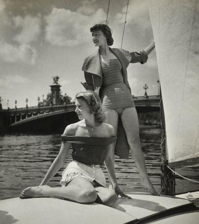 Robert Doisneau (1912-1994)  Pin-up sur la...