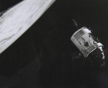 NASA  Apollo 9 : Le module de commande photographié...