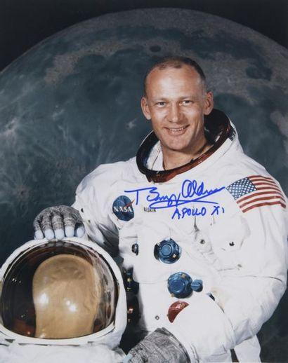 NASA  Apollo 11 : Buzz ALDRIN posant dans...