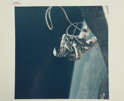 NASA/ James McDIVITT  Gemini 4 : première...