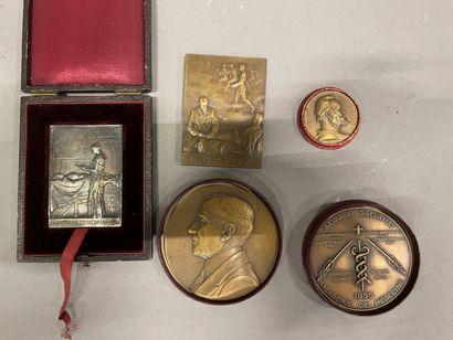 Lot de médailles
