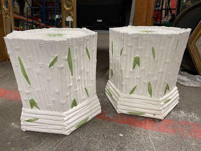 Deux sellettes en céramique façon bambou...