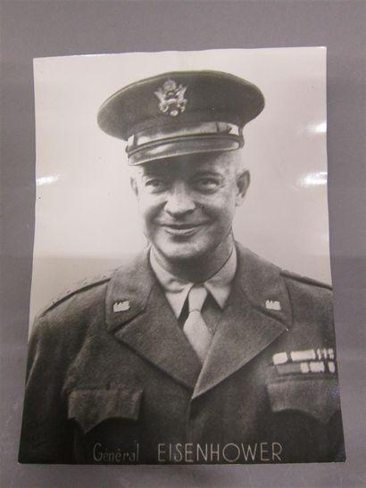 Max HUBERT (1919-1992)  Portrait du Général...