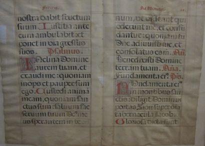 Double page de missel avec lettrines décorées....