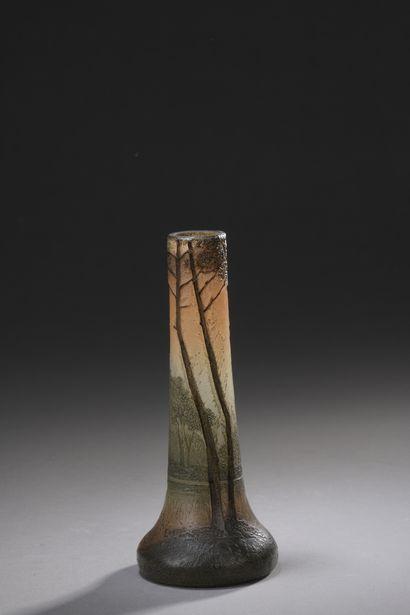 LEGRAS  Vase tubulaire sur base renflée....