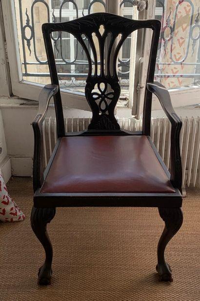 Suite de deux fauteuils et huit chaises en...