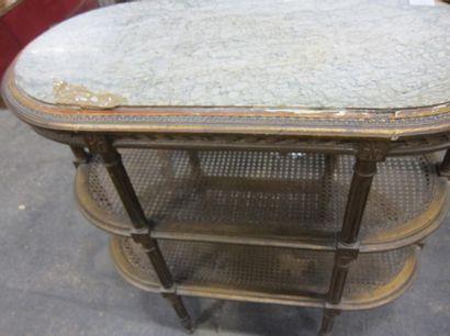 Table d'appoint en bois mouluré et doré ,...