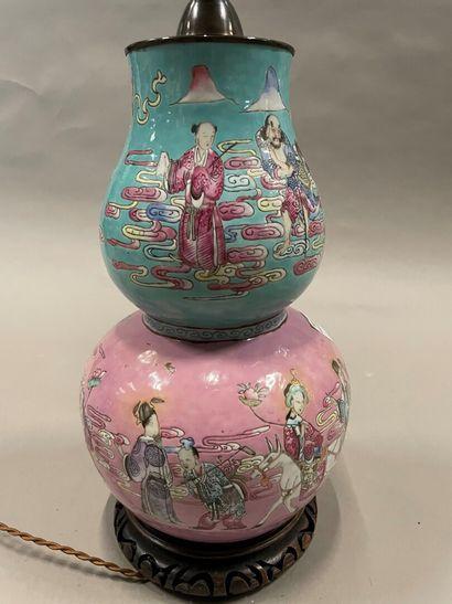 Vase double gourde en porcelaine, le premier...