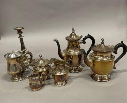Service à thé et café en métal argenté, bougeoir...
