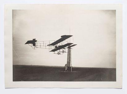 Lucien LOTH (1885-1978)  Biplan Farman n°12...