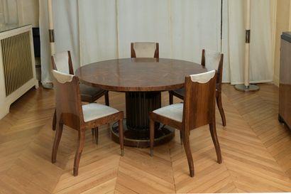 Christian KRASS (1868-1957)  Salle à manger se composant d'une table circulaire...