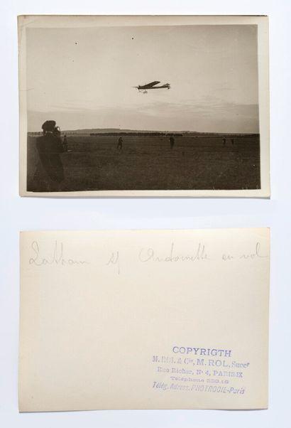 Agence ROL (act. 1904-1937)  Latham en vol...