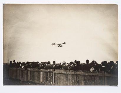 Lucien LOTH (1885-1978)  Les tribunes, les hangars et Aéro-Loggia d'Astrocity  Première...