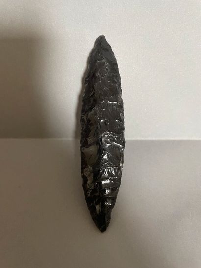 Lame  Obsidienne noire.  Culture Teotihuacan,...