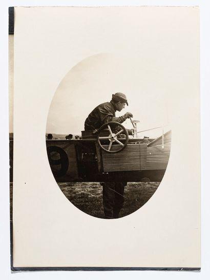 Lucien LOTH (1885-1978)  Trois portraits de pilotes  Jules Hauvette et Bathiat à...