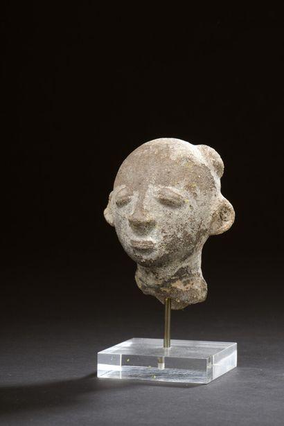 Tête funéraire Akan, Ghana  Terre cuite à...