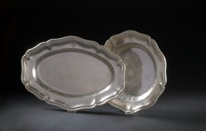 Oval and round dish with a silver fretwork...