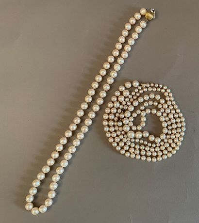 Set of two cultured pearl necklaces:  a choker...