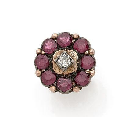 Ring set with an old cut diamond (Acc.) in...