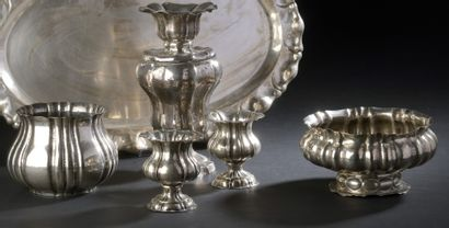 Set of 800 thousandth silver vase with scalloped...