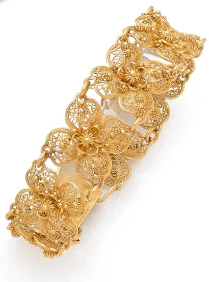 Articulated ribbon bracelet composed of 8...