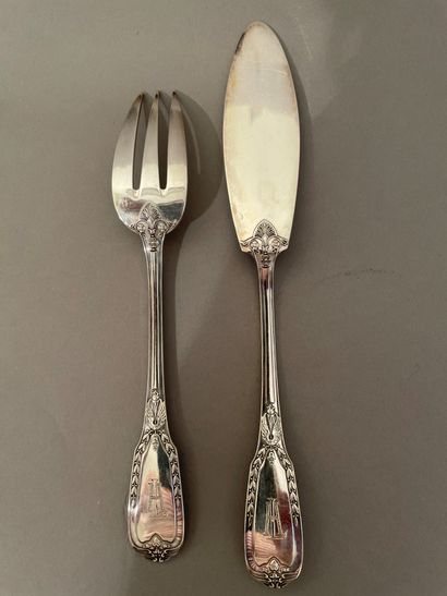 Twelve Directoire-style fish cutlery carved...