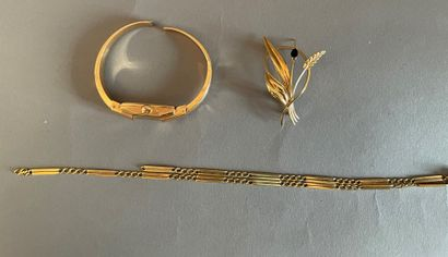Lot of gold jewelry including :  - a VALMON...
